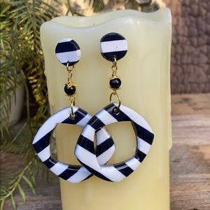 🔥SALE🔥Classic Black and White Stripe Earrings